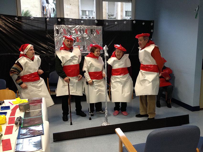 El Centro de Día 'El Bullón' de Santurtzi celebra un concurso de canto dirigido a los mayores