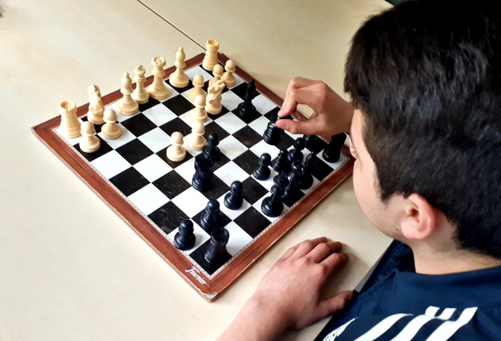 """La pasión por el ajedrez llega al Centro de Atención Especializada a Menores """"Valle de Cayón"""" organizando un primer torneo intercentros"""