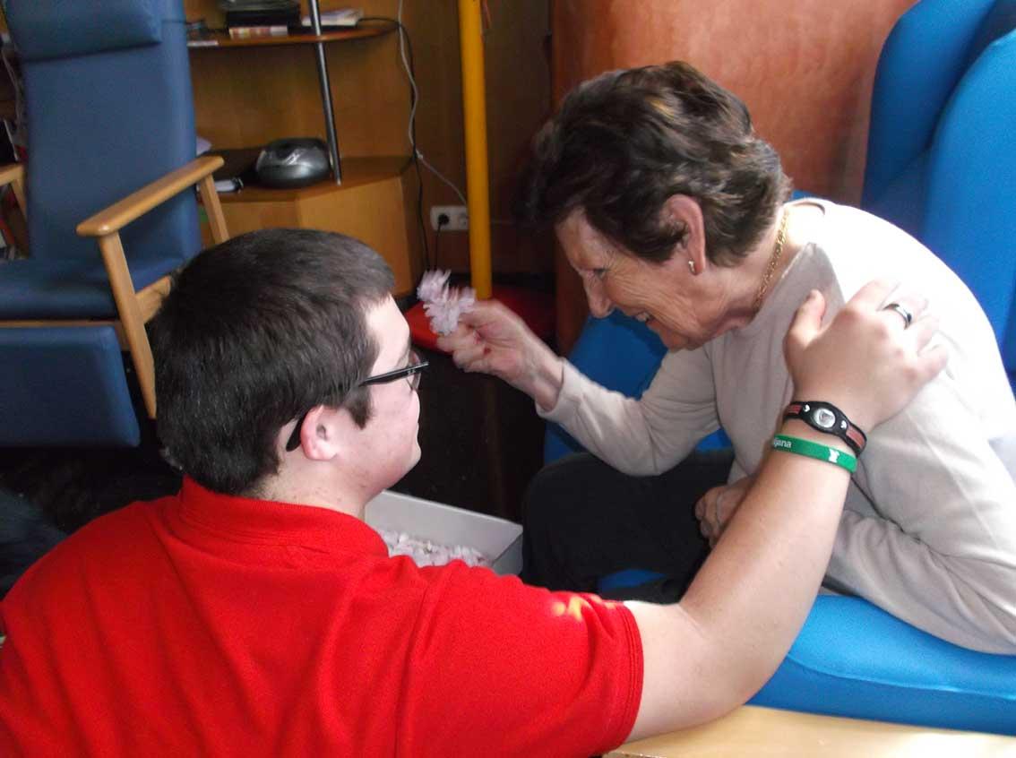 La Fundación Salud y Comunidad fomenta la integración sociolaboral de un grupo de jóvenes de la Asociación de Síndrome de Down de Álava