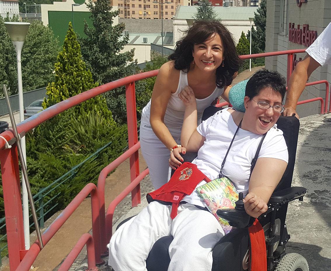 """La Residencia y Centro de Día """"Infanta Elena"""" gestionada por FSC celebra por todo lo alto los Sanfermines"""