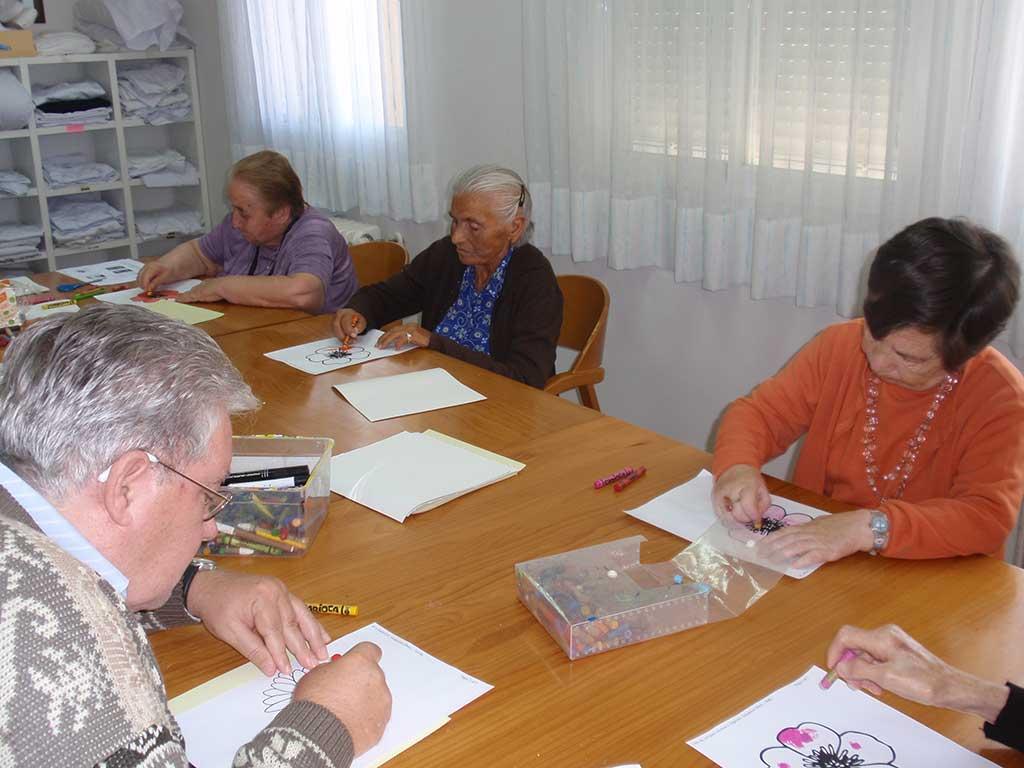 La psicoestimulación, clave en los programas de intervención de FSC con personas mayores para mejorar su calidad de vida