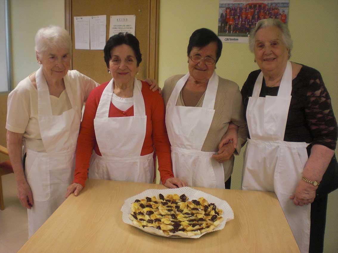 Intercambio de sabores y saberes culinarios en el Centro Gerontológico «Egogain» de Eibar