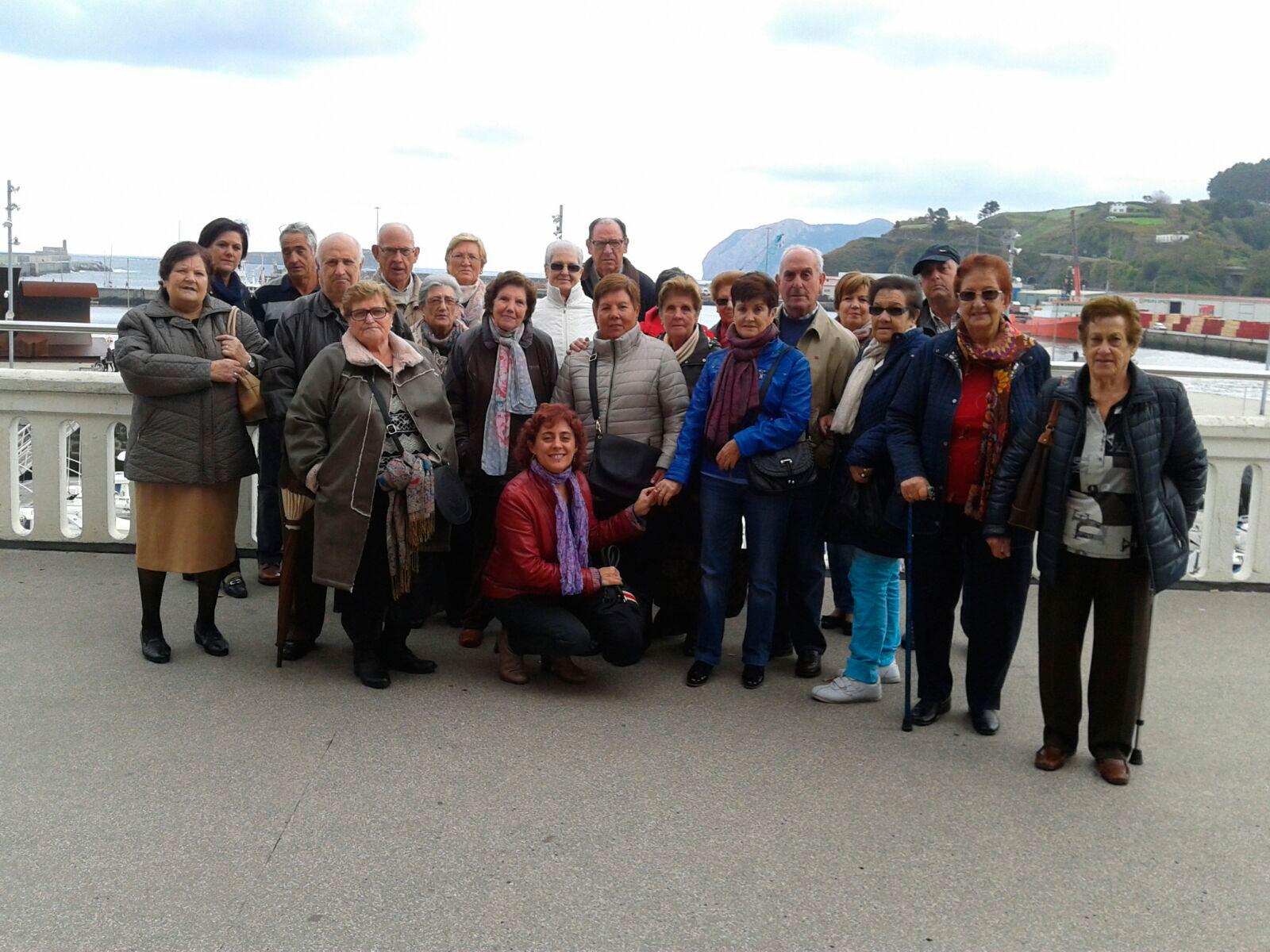 Salida de los usuarios/as del Hogar de San Juan en Santurtzi al municipio vizcaíno de Bermeo